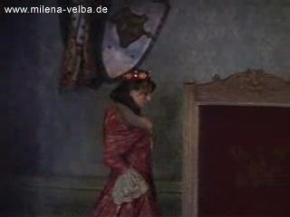 Koningin Milen met haar grote tieten