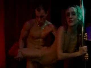 Openbare sex in de sexclub met zijn allen
