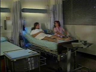 Geile nachtzuster verwend de patient