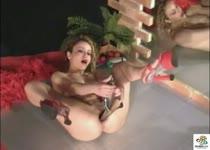 Eendenbek met biljartballen in haar kont