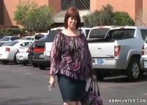 Extreem dikke moeder opgepikt van straat