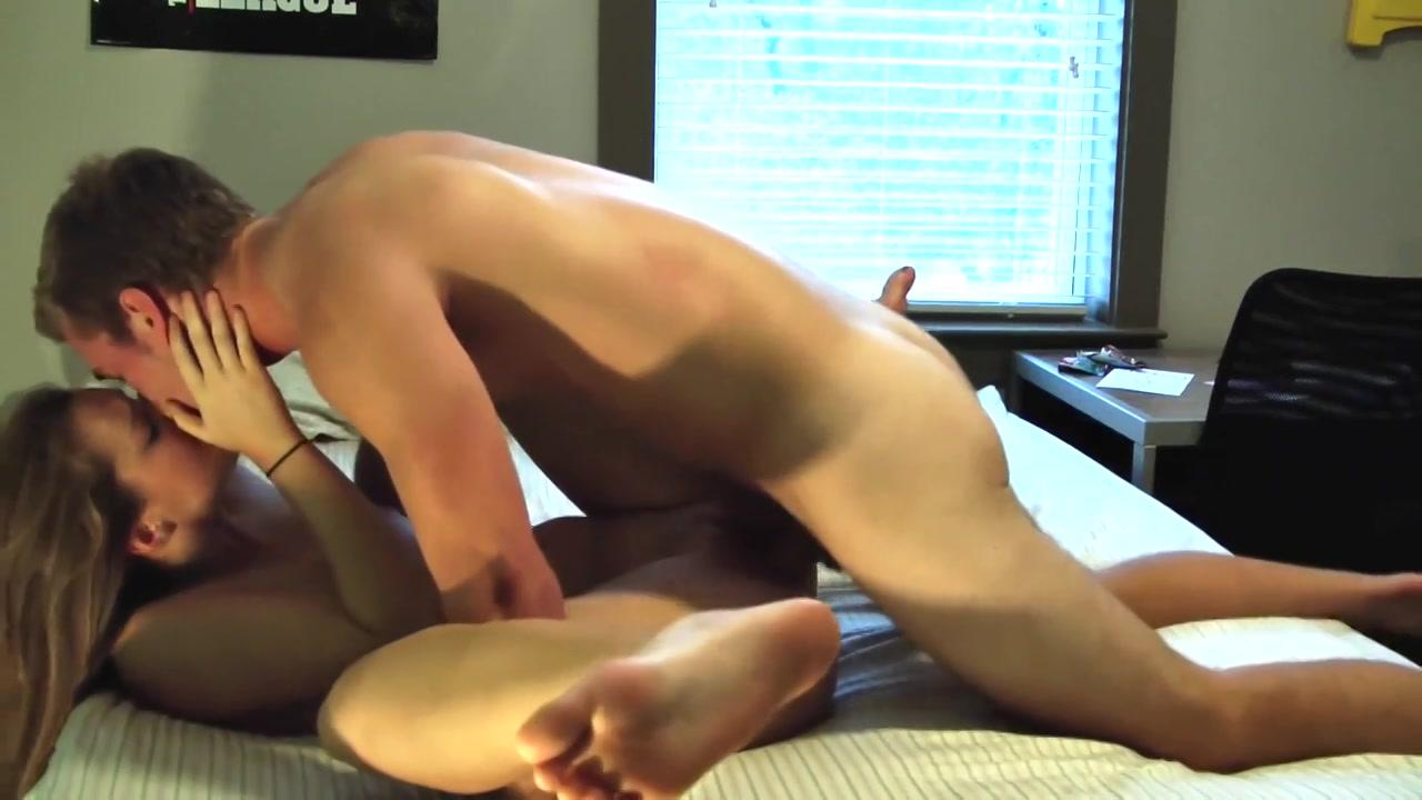 Sexy tiener stel maakt porno video
