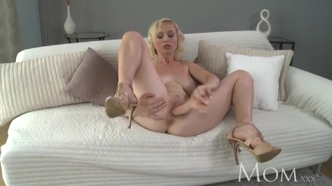 Adult filmpjes met een dildo