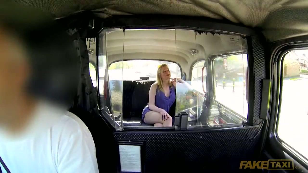 Ze krijgt 500 pond van de taxichauffeur en een spuitkutje